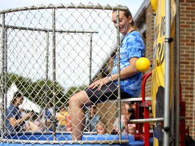 Photos: Back-to-school party at Belle Aire Elementary in Downers Grove