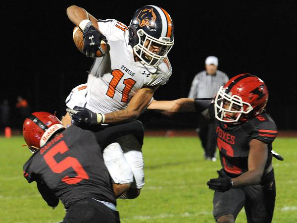 Record Newspapers football preview capsules for first-round playoff games