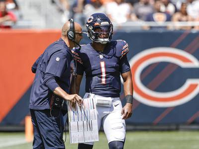 Bears podcast 240: What's holding back the Bears offense?