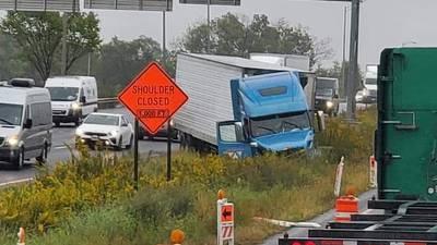 Crash ties up I-80 traffic in Joliet