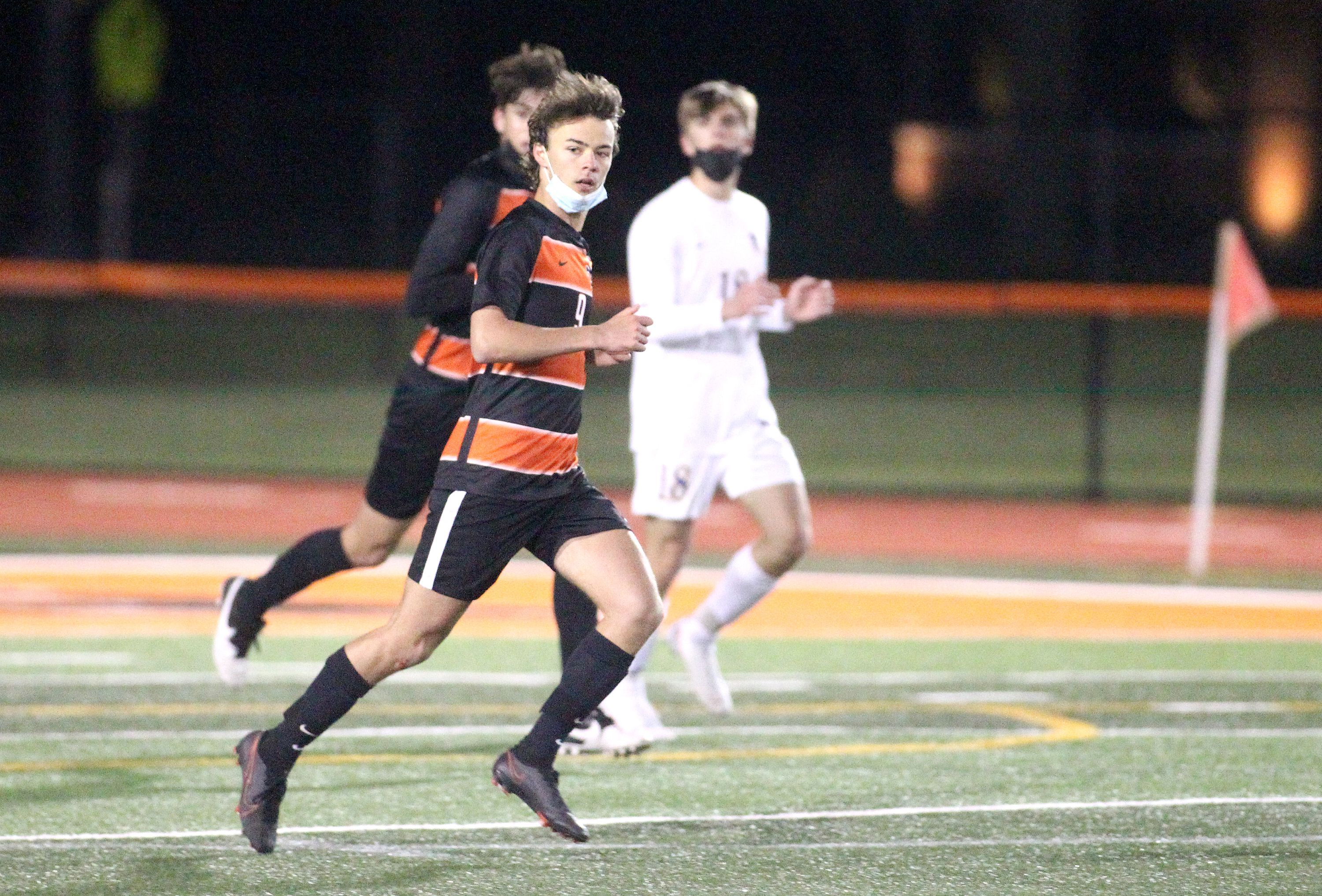 Boys Soccer: St. Charles East, Wheaton North play to 1-1 draw, close out DuKane season of 'resiliency'