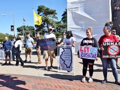 Libertarian Party of DeKalb County protests mask, vaccine mandates