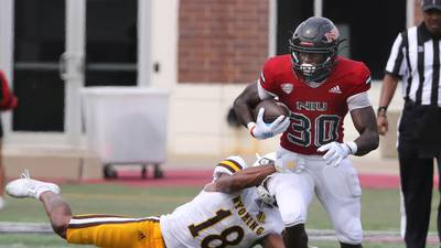 After dismal first half, NIU's Waylee ends up with another career game