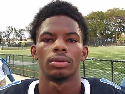 Phillips tops Simeon, 14-12, on Avante Savage's last-minute touchdown