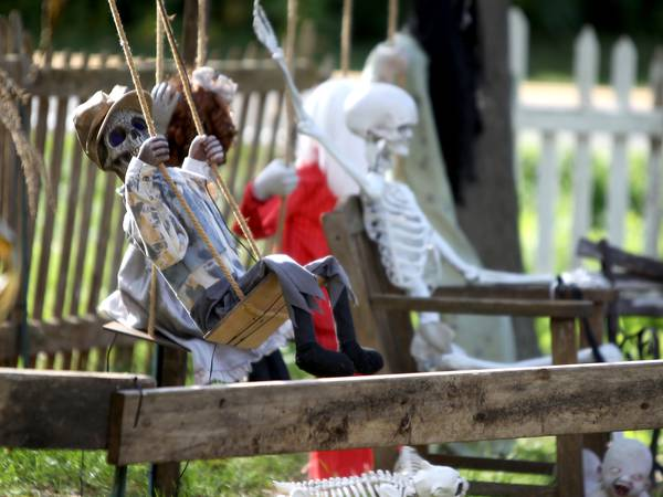 Photos: Haunted scene in Downers Grove