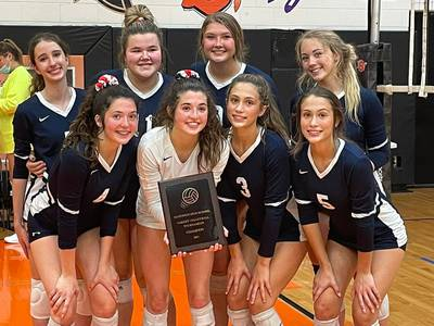 Girls Volleyball notes: Zoe and Nina Schuberth embrace position switches, lead Yorkville Christian to 9-0 start