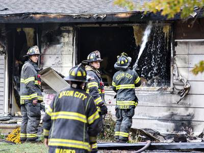 Fire 'heavily damages' two homes on Hubbell in Dixon