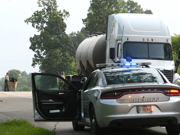 Rural Oregon woman critically injured by semi while crossing Illinois 2