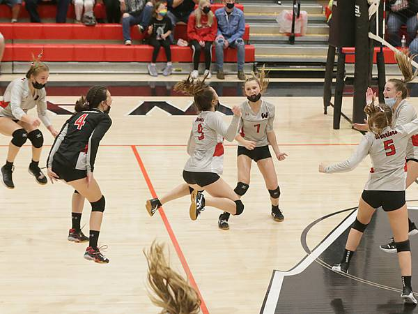 Tri-County Volleyball Tournament: Woodland captures championship on home floor, 25-21, 25-22