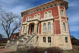 Reddick Mansion in Ottawa will be open for homecoming photos