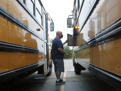 New Woodstock District 200 school start times proposed to help ease bus driver shortage