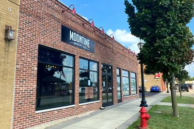 Mystery Diner in Crystal Lake: Moontime Smokin' Que easing into opening