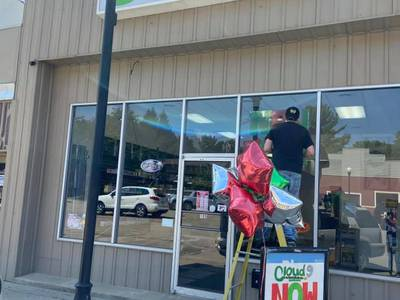 New Spring Valley business opens