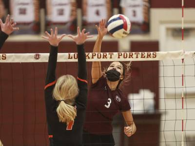 Lockport stays undefeated with a 25-15, 25-16 victory over Lincoln-Way West