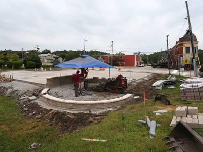 Photos: Lodi Tap House constructs a seasonal bar in Utica