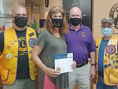 Sycamore Lions installs new member