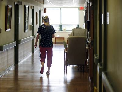 Little change in staff vaccination rates at McHenry County nursing homes despite mandate