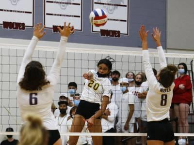 High school volleyball: Crystal Lake South beats Prairie Ridge, keeps undefeated season alive
