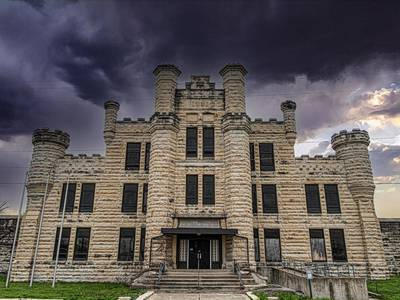 Experience the spooky season at area haunted houses