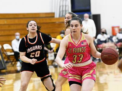 University of St. Francis women's basketball team rallies around junior Jordan Pyle after her father's death