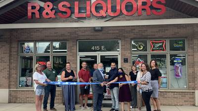 Batavia Chamber of Commerce holds ribbon cutting for R & S Liquors and Wine