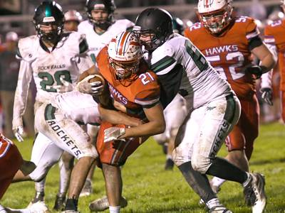Oregon holds off Rock Falls for 29-25 win