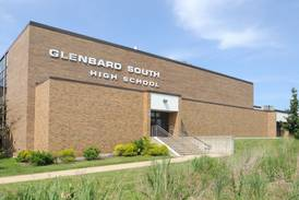 Glenbard parent webinar to help students organize real-life, digital worlds