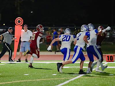 Morris cruises to Homecoming win over Woodstock