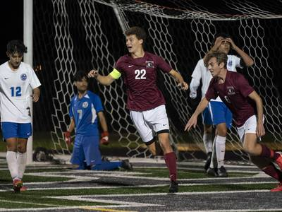 Boys soccer: Prairie Ridge works Woodstock into a corner