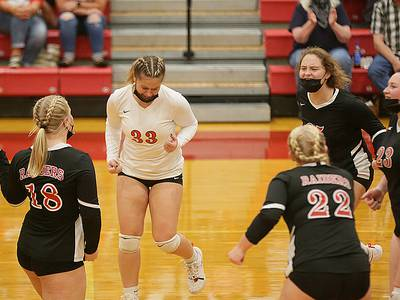 Volleyball: Earlville shakes off slow start, beats Woodland in 2