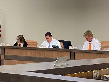 Morris City Council approves water tower cleaning