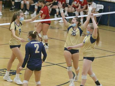 Photos: Hall vs Marquette volleyball