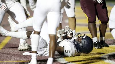 Malik Gray, IC Catholic hold off Montini in matchup of state powerhouses