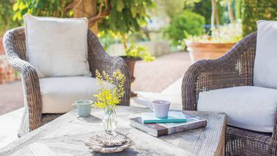 Learn the right ways to clean lawn and patio furniture