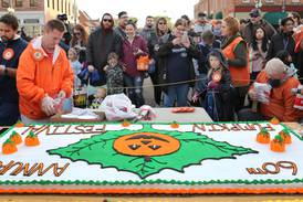 Sycamore Pumpkin Festival returns with 'Old-Fashioned Pumpkin Fest' cake cutting downtown