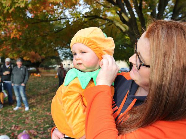 Photos: Cake-cutting and downtown trick-or-treat kickoff Sycamore Pumpkin Festival