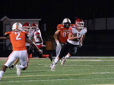 Ben Alvarez, opportunistic 'D' helps Yorkville overcome adversity to win at Plainfield East