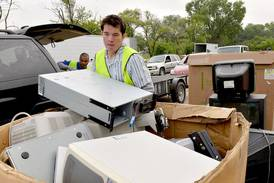 Batavia recycling center reopens for Saturday hours