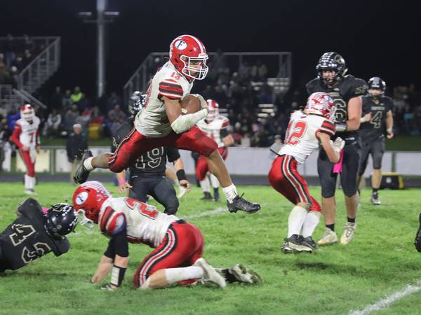 Forreston beats Lena-Winslow 22-20 in dramatic game-ending drive