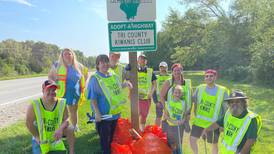 Tri County Kiwanis, Open Door Aktion Club clean up in Sandwich