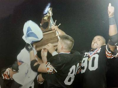 'They just refused to lose' Players, coaches recount Wheaton-Warrenville South's 1995 state title