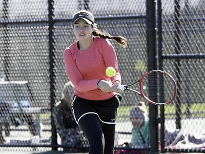 Girls tennis: Carney rallies past Ochalik; Plainfield North second in SPC
