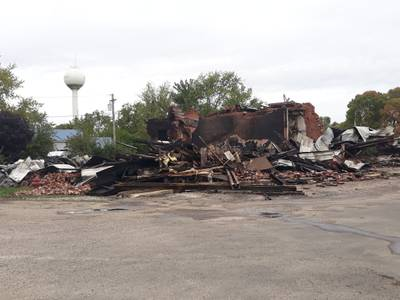 Fire destroys abandoned building in Rutland