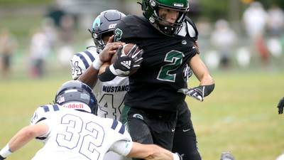Joey Pope's spectacular conference debut highlights Glenbard West's blowout win over Downers Grove South